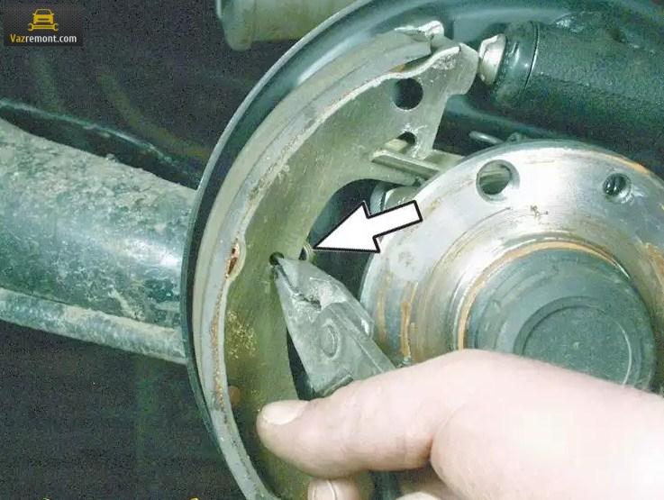 Меняем передние и задние тормозные колодки ВАЗ 2110 самостоятельно