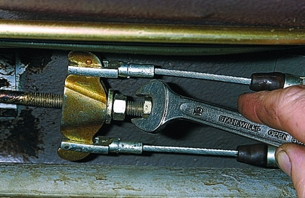 Натяжка ручного тормоза на ВАЗ 2114