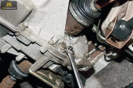 Процесс замены масла КПП ВАЗ 2110. Выбор масла, определение объема.