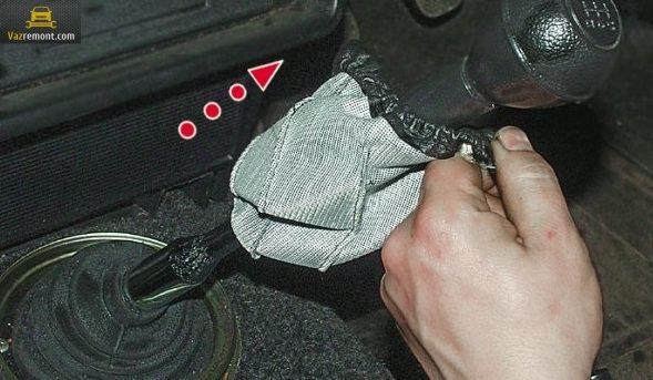 Схема, устройство КПП ВАЗ 2110. Замена подушки, признаки неисправности.