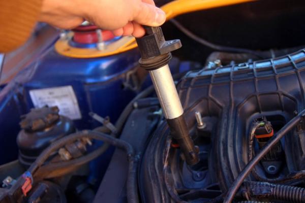 Свечи забрызгивает маслом или заливает бензином на ВАЗ 2110