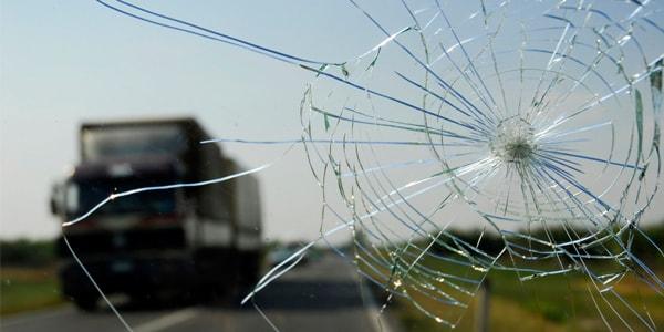 Целесообразность ремонта лобового стекла
