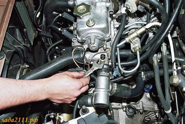 Датчик указателя температуры охлаждающей жидкости на ВАЗ 2110