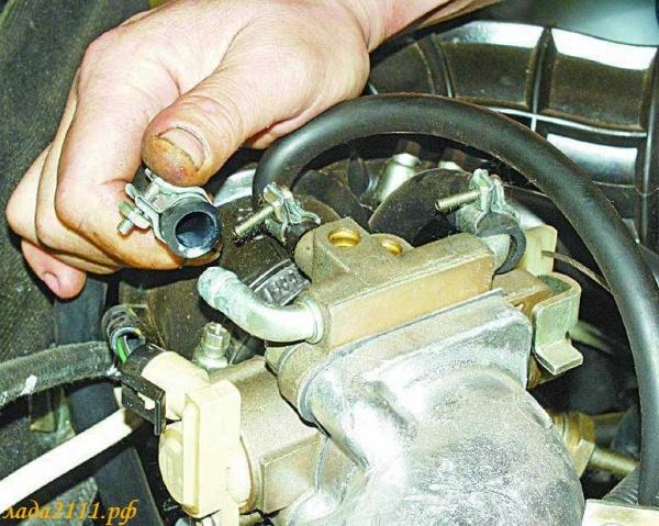 Как слить ОЖ и промыть систему охлаждения двигателя на ВАЗ 2114