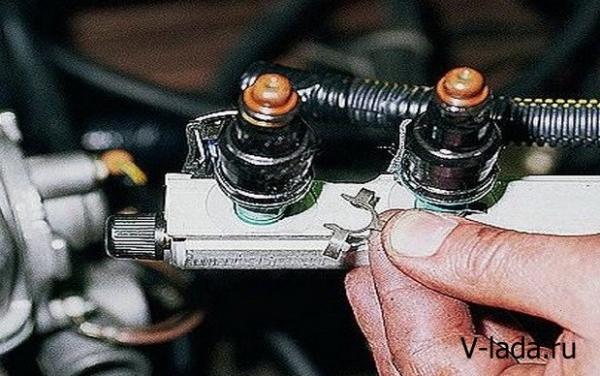 Как снять и проверить форсунки на ВАЗ 2114 своими руками