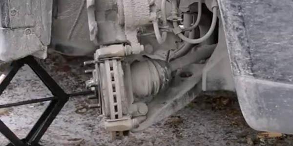 Когда менять тормозные колодки на Митсубиси АСХ