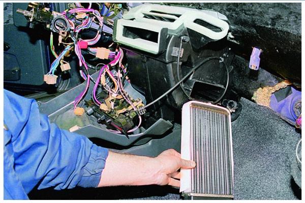 Почему не греет печка на ВАЗ 2114