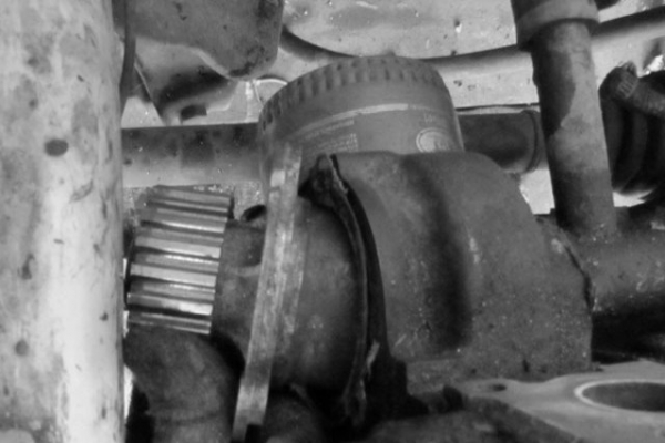Процесс замены водяной помпы на ВАЗ 2109