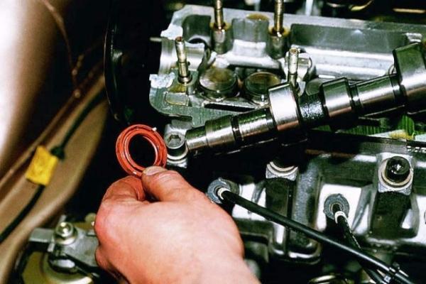 Самостоятельная замена сальника распредвала на ВАЗ 2114 (8 клапанов)