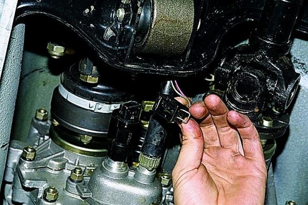 Замена датчика скорости на ВАЗ 2114 с видео инструкцией