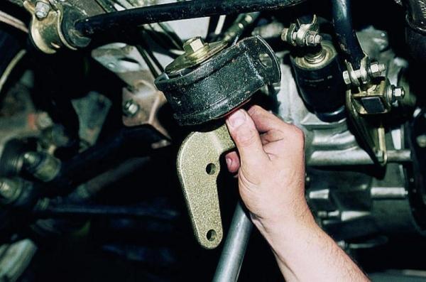Замена подушек (опор) двигателя на ВАЗ 2114