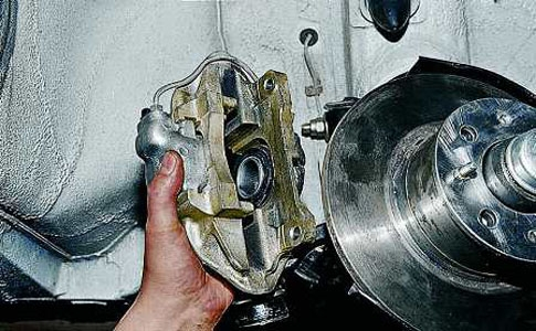 Замена тормозных колодок на ВАЗ 2110 своими руками (видео)