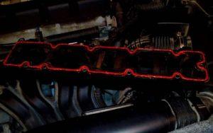 Чистый двигатель: замена прокладки клапанной крышки