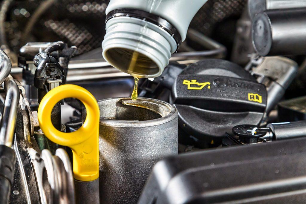 Что будет если залить дизельное масло в бензиновый двигатель