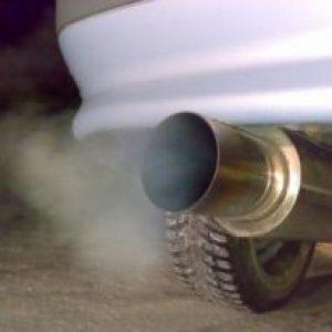 Двигатель стреляет в глушитель