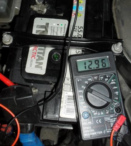Горит лампочка аккумулятора на панели приборов: причины, диагностика, решение проблемы