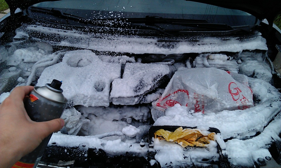 Как мыть двигатель автомобиля своими руками: правила и рекомендации