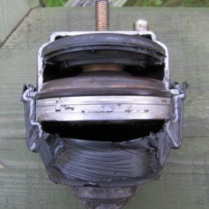 Как проверить и заменить подушки двигателя