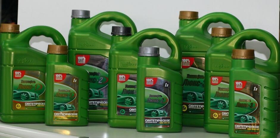 Можно ли заливать дизельное масло в бензиновый двигатель?