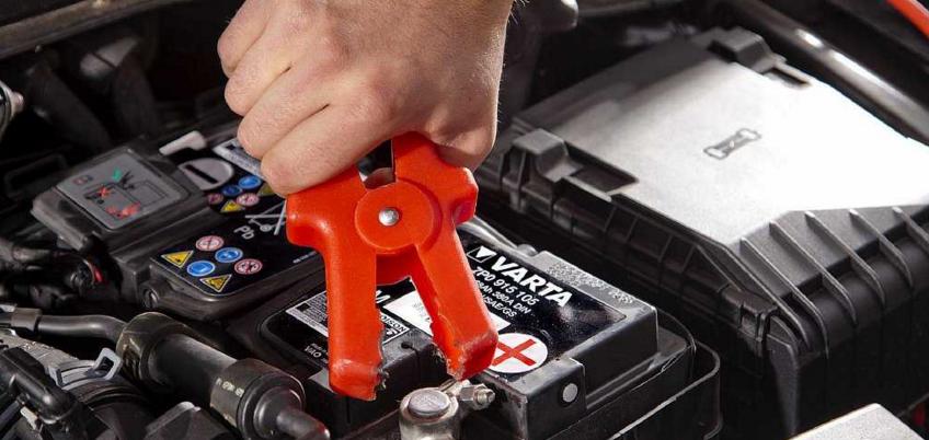 Можно ли заряжать аккумулятор не снимая клеммы?