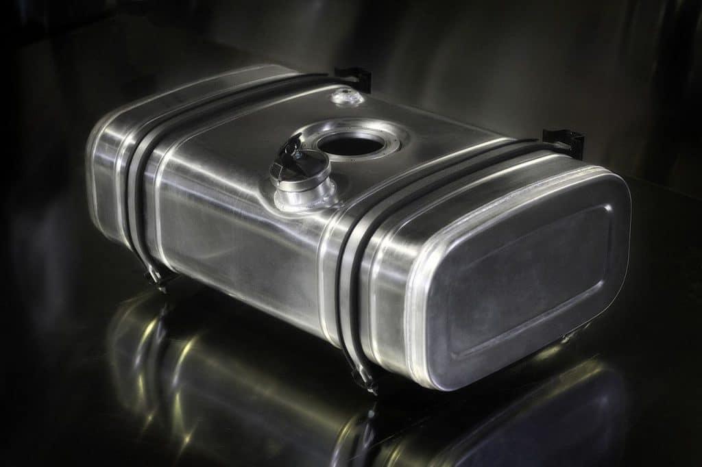 Пластиковый, металлический, алюминиевый бензобак – что лучше