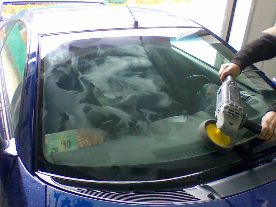 Ремонт сколов на лобовом стекле автомобиля