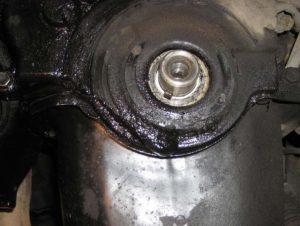 Все причины по которым двигатель жрет масло