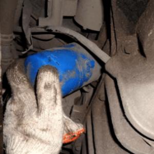 Что делать, если не откручивается масляный фильтр