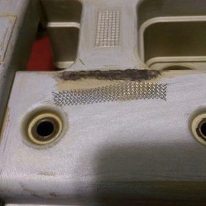 Почему вытекает масло из-под клапанной крышки