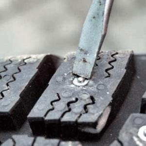 Ремонтные шипы для зимней резины: как использовать и зачем